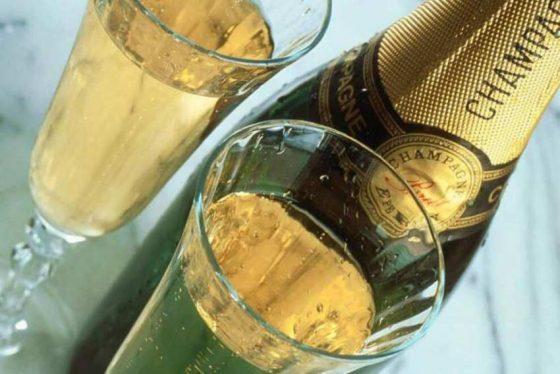 Как выбрать хорошее недорогое шампанское в магазинах Тверской области?