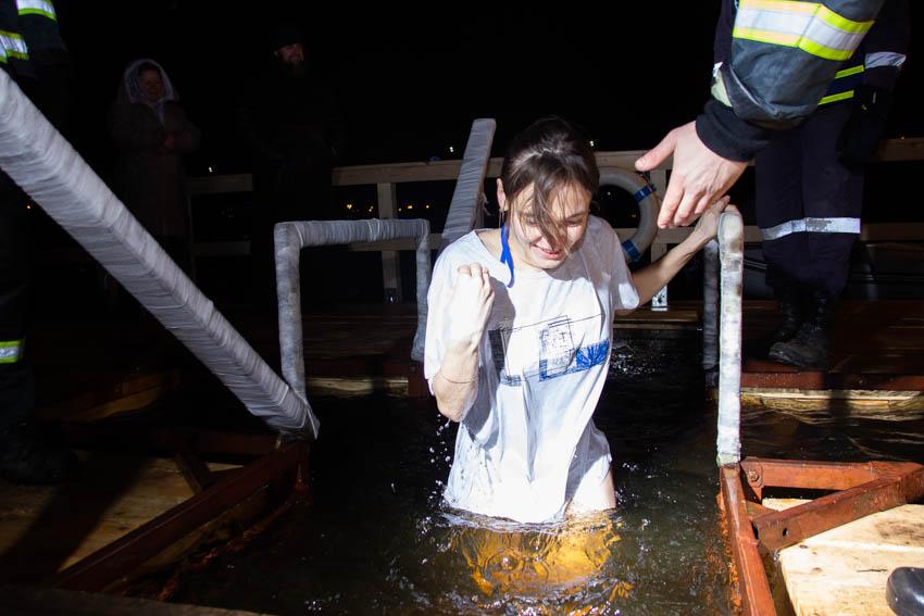 «Ощущения - огонь!». Как в Твери прошла крещенская ночь. Фоторепортаж.