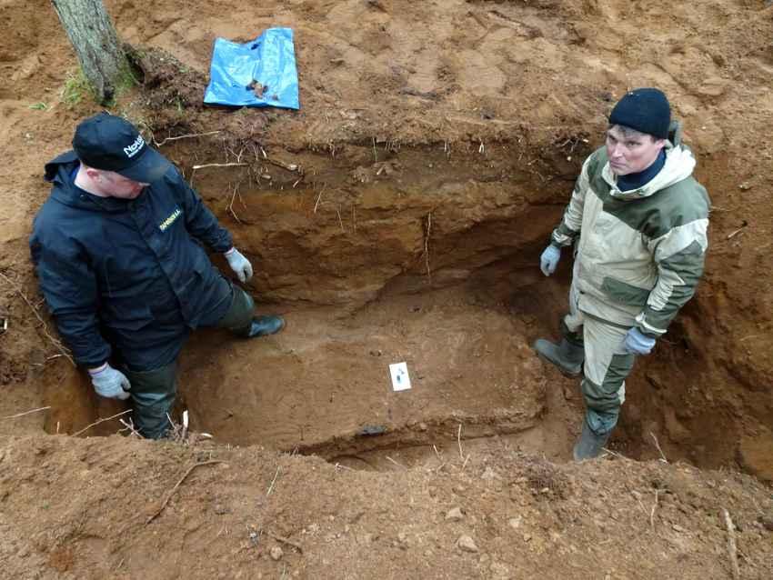 Под Осташковом нашли могилу летчика, совершившего первый ночной таран