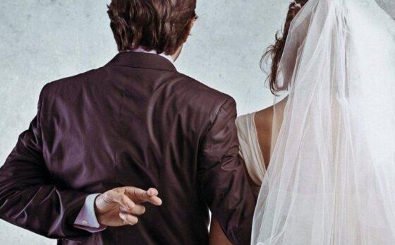 В Тверской области девушка за 30 тысяч рублей вышла замуж