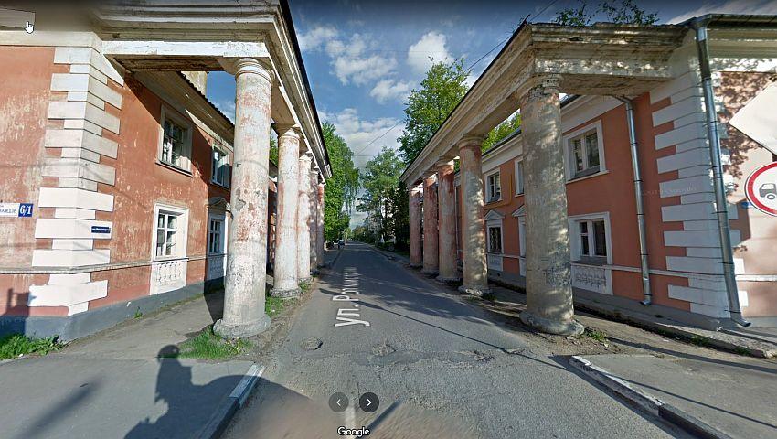 В Твери начали поиск владельцев заборов и колоннад на улице Орджоникидзе