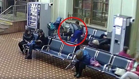 На вокзале Твери ограбили спящую пенсионерку из Волгограда
