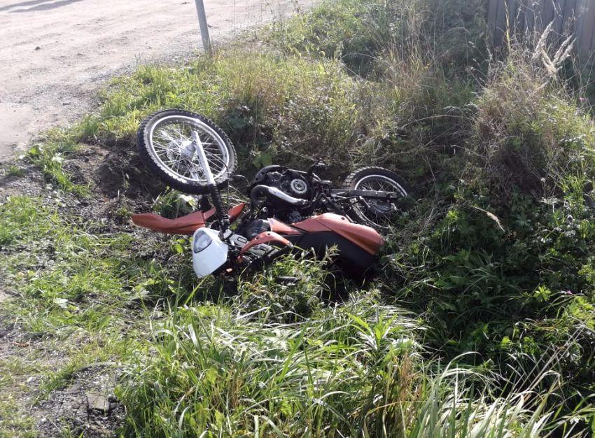 В Конаково мотоцикл и «Газель» столкнулись на повороте