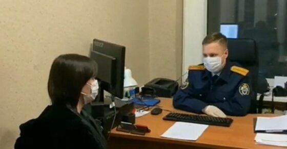 В Твери опекуна обвиняют в истязании и убийстве 2-летней девочки