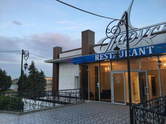 Гости даже не заметили: масштаб пожара в ресторане «Парус» преувеличен