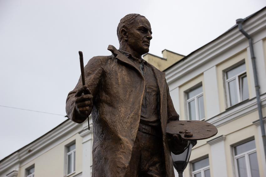 В Твери открылся памятник маршалу пейзажа