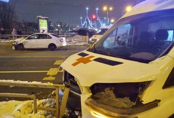 В Твери автомобиль «скорой» попал в ДТП