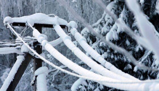 Из-за снегопада в Тверской области без света остались 2400 человек