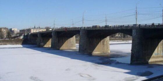 Мужчина упал с Нового моста в Твери и разбился насмерть