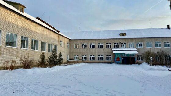 В Максатихинской школе смонтировали современные окна