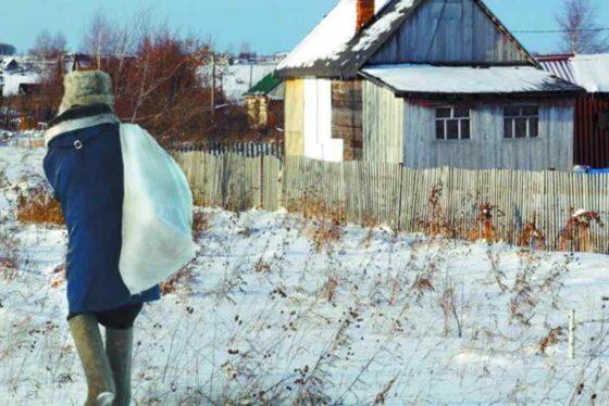 Житель Калининского района перенес вещи соседа на свой участок и попал под статью