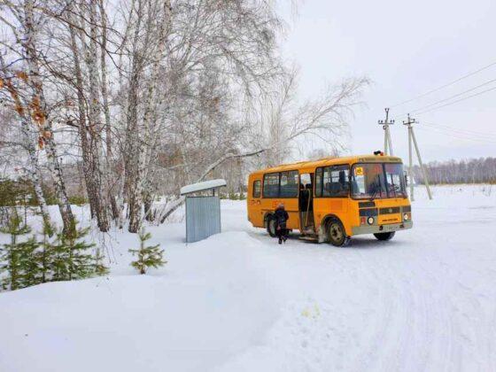 Школьников Тверской области возили по опасной дороге