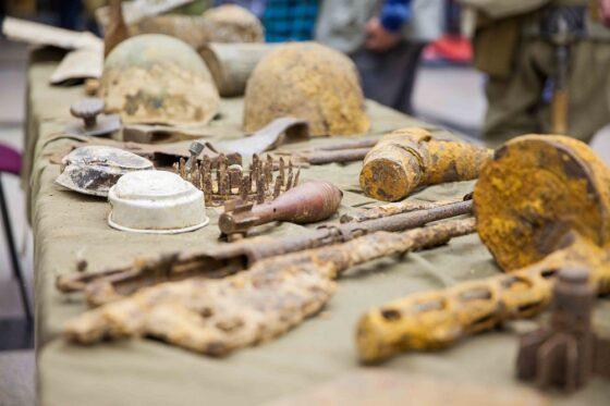 Найденные в Тверской области реликвии времен войны представят на выставке в Москве