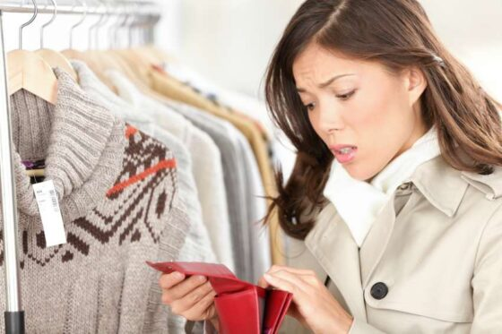 Россиянам пообещали резкий рост цен на технику и одежду