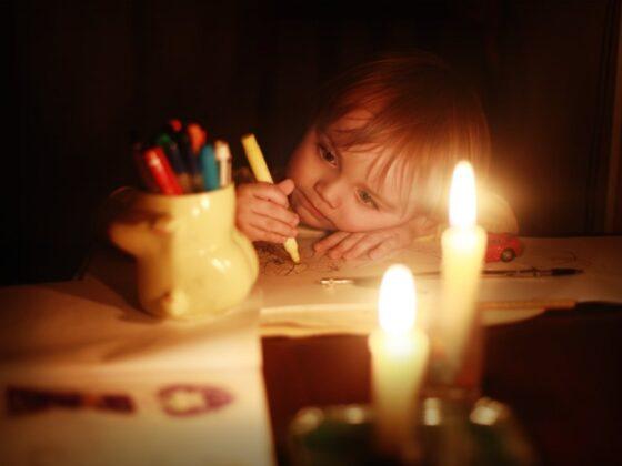 В Западной Двине в домах без света оставались более 100 детей