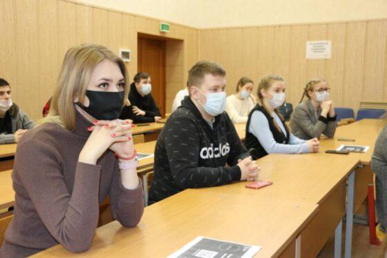 Инвестируй, планируй, копи: Сбербанк рассказал студентам Твери о финансовых инструментах