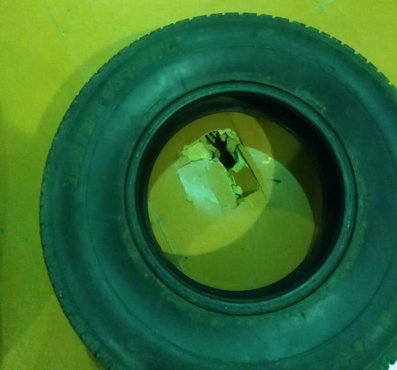 В Кимрах дыру в полу спортзала прикрыли шиной, власть пообещала разобраться