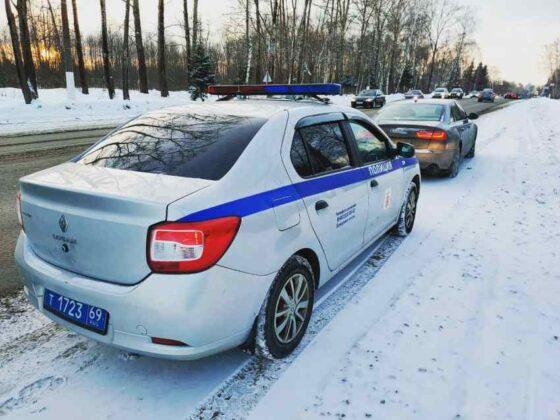 В Твери задержали водителя, задолжавшего 700 тысяч рублей своему ребенку