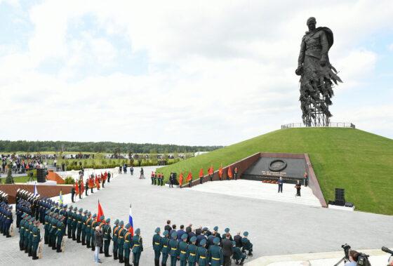 У Ржевского мемориала в мае  откроют железнодорожный  вокзал с панорамными окнами