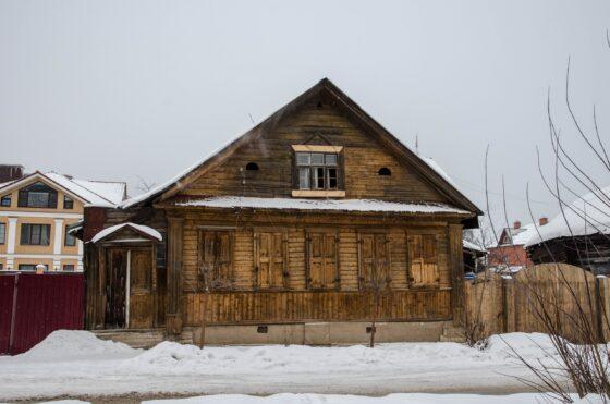 В Твери  на Староворобьевской улице сносят дом №7