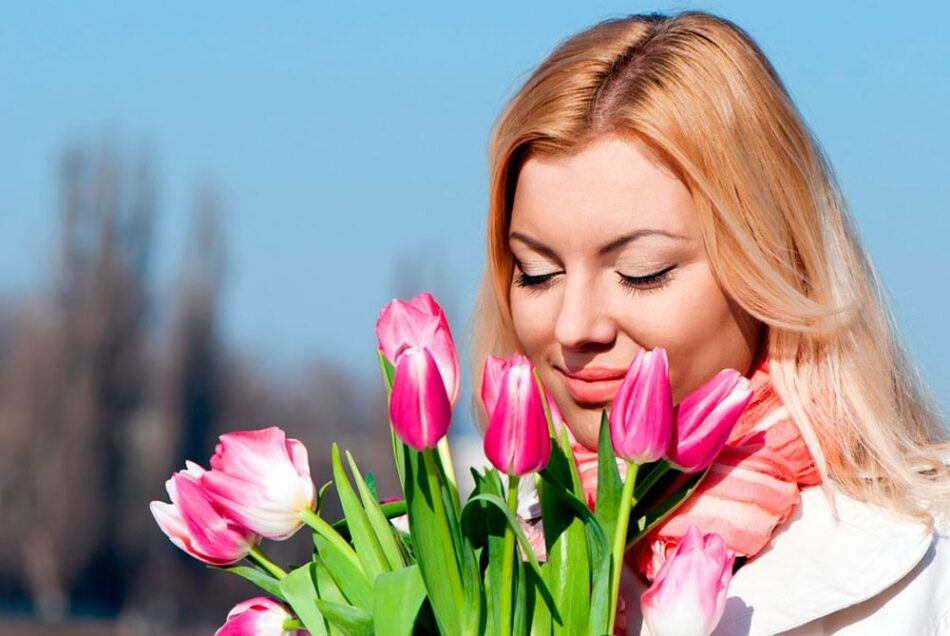 Медиахолдинг «Тверской проспект» сердечно поздравил очаровательных тверичанок с 8 Марта