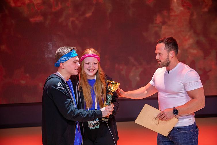 Первое место в реалити-шоу «Защитники» заняла 17-летняя  школьница из Твери