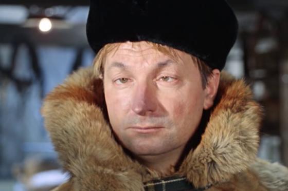 Мужчина в расстегнутых джинсах оскорбил человеческое достоинство в Тверской области