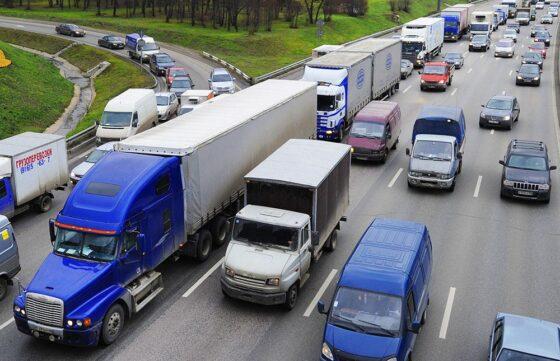 Большегрузам временно запретят въезд в Торжок без специального пропуска