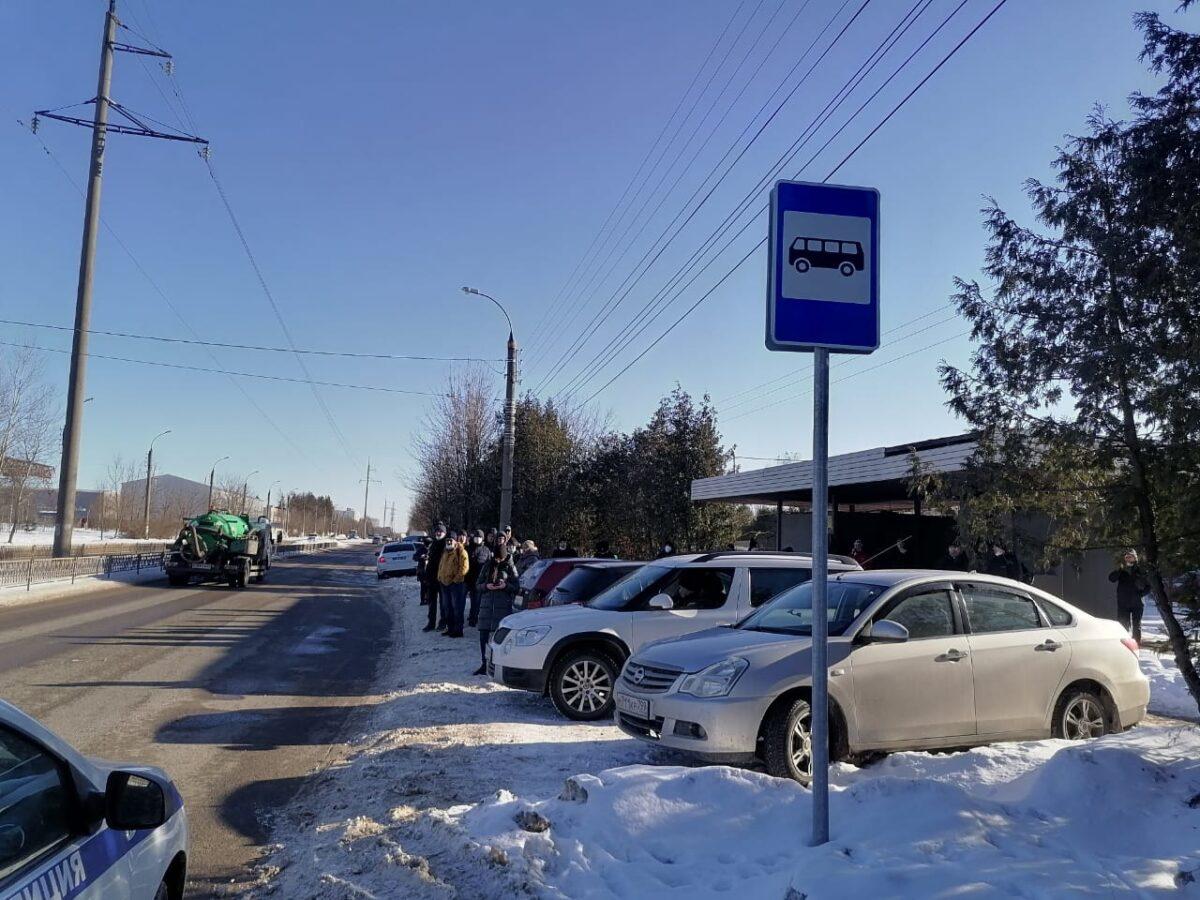 В Твери наказывают тех, кто паркуется на остановках