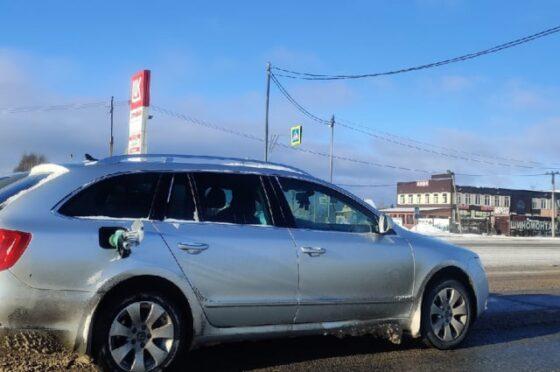 В Конаковском районе водитель уехал от АЗС, прихватив заправочный пистолет