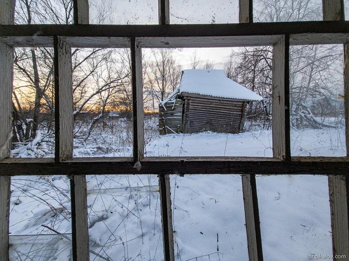 Фотограф-путешественник сделал серию снимков из заброшенной тверской деревни
