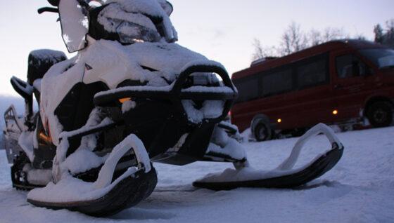 Снегоход не преодолел снежный вал в Тверской области