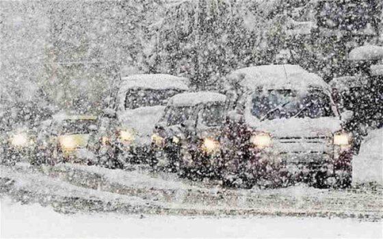 Тверских водителей предупредили о надвигающем снегопаде