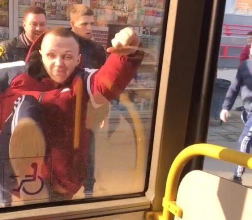 Один из хулиганов, устроивших дебош в тверском автобусе, извинился