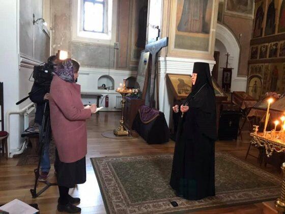 Съемочная группа православного телеканала попробовала в Твери монастырский чай