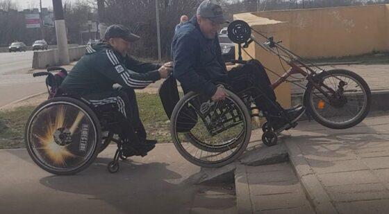 В Твери инвалиды пытались штурмом взять отделение ПФР