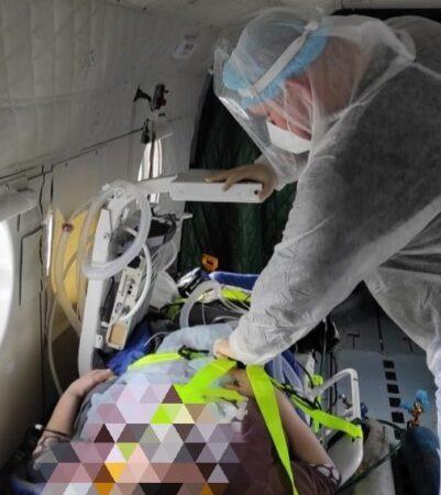 Двух тяжелых пациентов с коронавирусом эвакуировали в Тверь