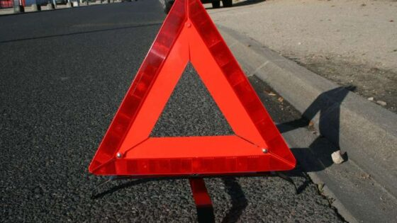 Под Тверью водитель влетел в фонарный столб,  погибла 54-летняя пассажирка