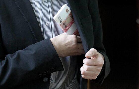 Лжесотрудник банка обманул доверчивого тверичанина на 4 миллиона