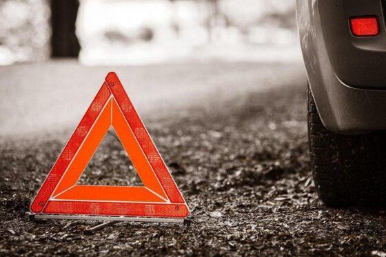В Твери из-за солнца водитель устроил ДТП с опрокидыванием машины
