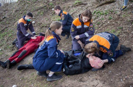 В Тверской области сотрудники МЧС спасали тонущих и вытаскивали утопленников