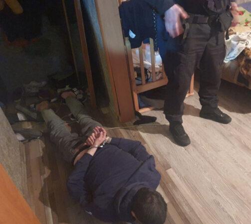В Твери накрыли наркопритон с хозяйкой и гостями под кайфом
