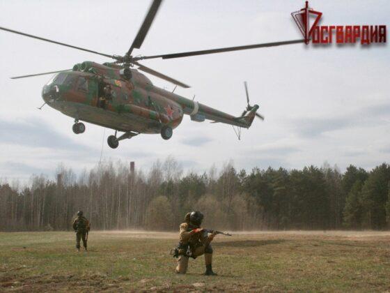 В Твери спецназ десантировался с вертолетов без парашютов