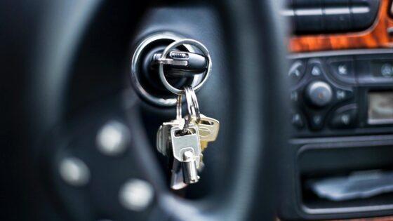 В Тверской области у  мужчины заглох автомобиль, и он угнал чужую машину