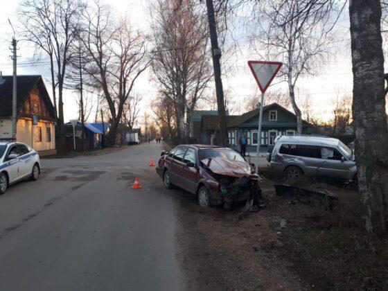 В Осташкове водители не поделили дорогу
