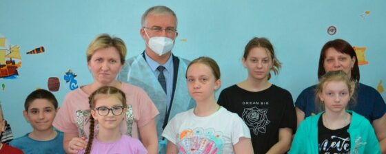 В Тверской области министр здравоохранения подарил  маленьким пациентам по куличу