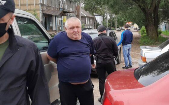 В Тверской области сотрудники ФСБ нашли мошенника, смастерившего  акустическое  устройство для сдачи экзамена в ГИБДД