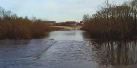 В Белом Тверской области  уровень воды превысил отметку высокого половодья