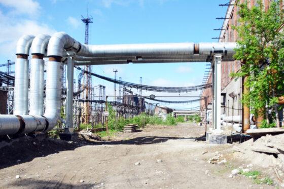 Чтобы купить выпивку, жители Тверской области украли сталь с тепломагистрали