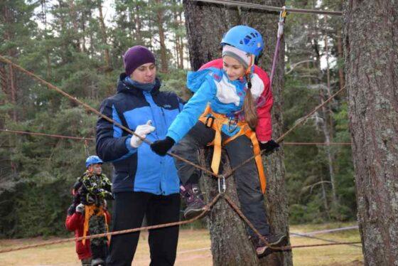 Федерация спортивного туризма проводит бесплатные мастер-классы для школьников Тверской области